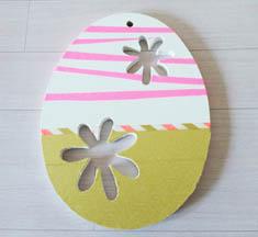 forme bois oeufs ajouré fleurs à customiser, peinture, masking tape fluo