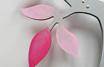 décoration arbre en bois 3D pommier, peinture rose, gris, strass