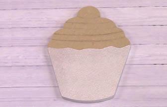 petit cupcake bois à customiser, do it yourself peinture blanc nacré