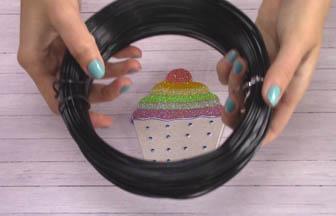 fil de fer noir pour customiser cupcake cerise en bois