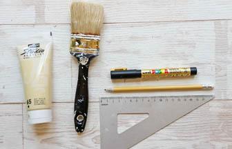 forme bois châssis à customiser, pinceau, peinture, posca