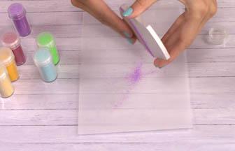 cupcake cerise bois à customiser, enlever surplus paillettes violet diy