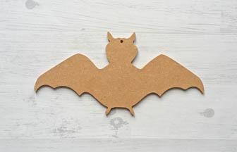 petite chauve souris percé à customiser bois, déco tuto Halloween
