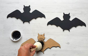 chauve souris à customiser bois, Halloween, peinture noir pébéo