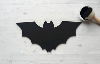 chauve souris à customiser batman, peinture noir, do it yourself
