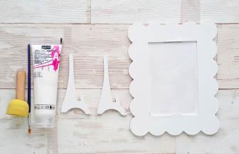 cadre photo beurre bois à customiser, près couche peinture blanc pébéo