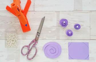 cadre photo à customiser bois, créer fleurs papier perle violet