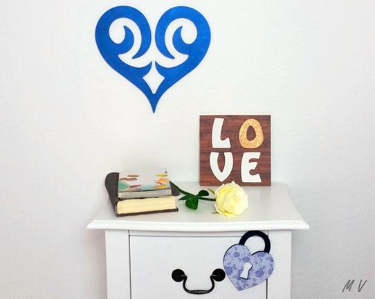 formes en bois à customiser loisirs créatifs, coeur, carré, lettres love