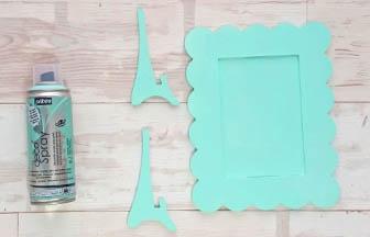 cadre beurre photo à customiser en bois, bombe spray vert pastel
