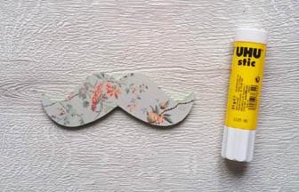 moustache à customiser en bois, collage papier japonais vert pastel