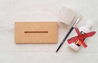 socle roseau en bois à customiser, colle en spray, sable blanc fin