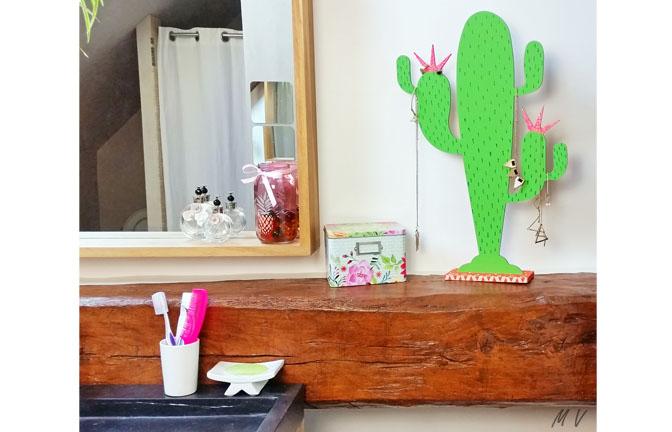 cactus sur socle à customiser en bois, peinture, paillettes, port bijoux, été