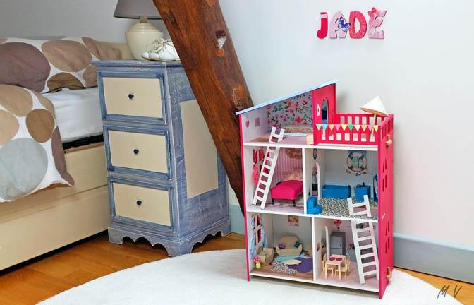 belle maison en bois à customiser pour poupée et figurines, jouet, enfants