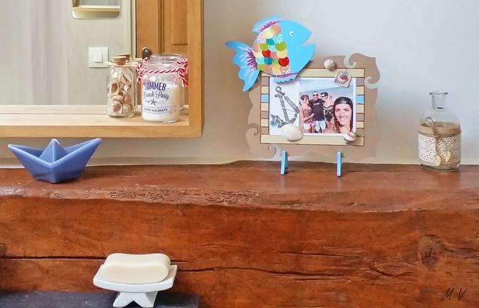 décoration diy salle de bain, cadre photo à décorer en bois baroque et poisson