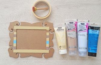 cadre photo baroque à customiser en bois, peinture pébéo beige, bleu, pastel
