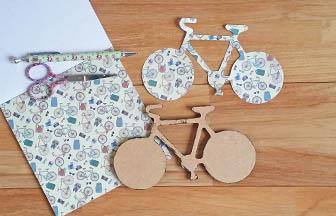 vélo en bois à customiser, découpe papier motifs vélo à coller