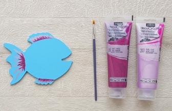 poisson en bois à customiser, déco détails peintures violet et prune