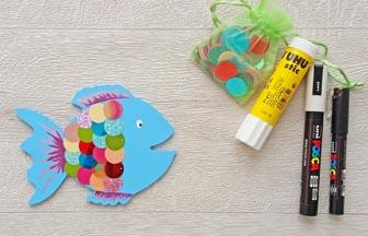 poisson en bois à customiser, arc en ciel, rond stickers multicolore paillettes