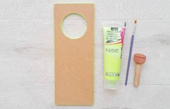 plaque poignet de porte à customiser en bois, pébéo peinture vert pastel tranches