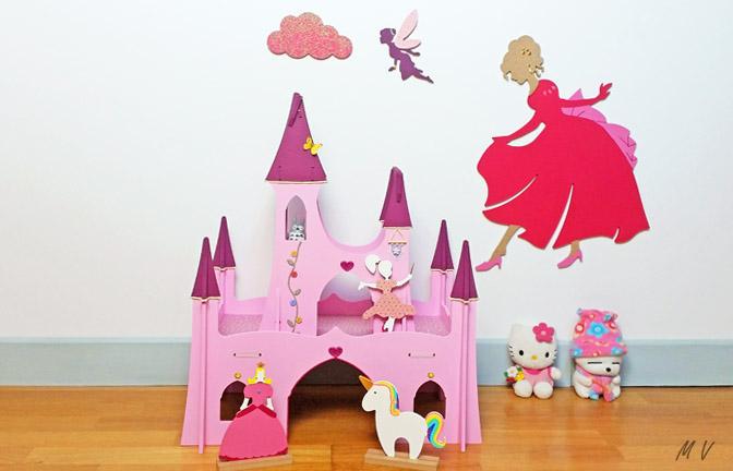 château de princesse en bois à décorer pour figurines, fée, licorne, jeux