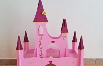 château de princesse bois, déco diy papillon, fanion, pâte à modeler