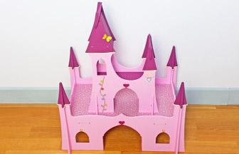 château de princesse à customiser en bois, peinture, stickers, tissu, paillettes