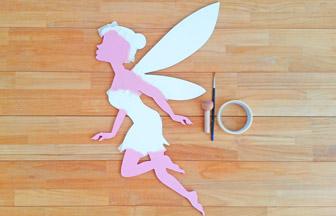 peindre la peau de la fée chignon en bois avec peinture chair