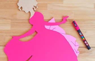 grande princesse bois à customiser, déco diy nœud détails posca rose
