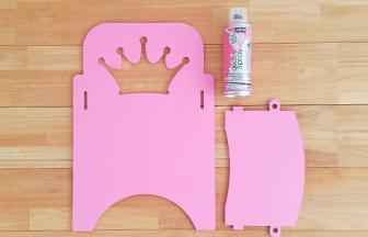 dossier bombe rose pastel chaise princesse à décorer en bois