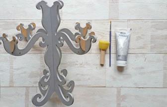 chandelier en bois à décorer, peinture pébéo argent