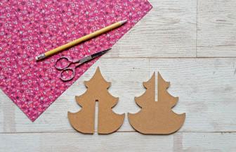 petit sapin 3d arabesque à décorer en bois, déco papier fleurs rose