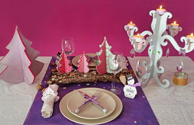 décoration table noël avec des supports en bois : sapins, chandelier à customiser