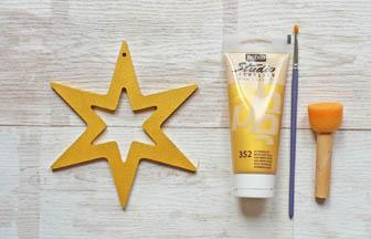 étoile 6 branches percé en bois à customiser avec de la peinture or