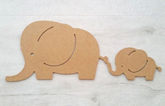 grande famille éléphants en bois à customiser pour une chambre