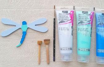 libellule en bois à customiser, déco peinture bleu pébéo