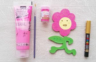 mignon support fleur à décorer déco paillettes rose et posca