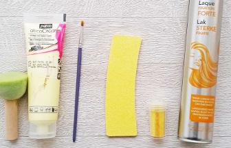 lettre majuscule en bois à décorer 20 cm paillettes jaune et laque