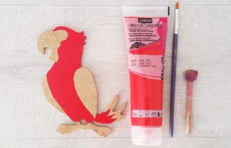 perroquet à customiser en bois, peinture pébéo ruby