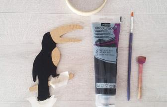forme en bois toucan à décorer avec de la peinture noir