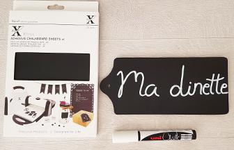 planchette sans manche en bois, papier craie et stylo craie posca