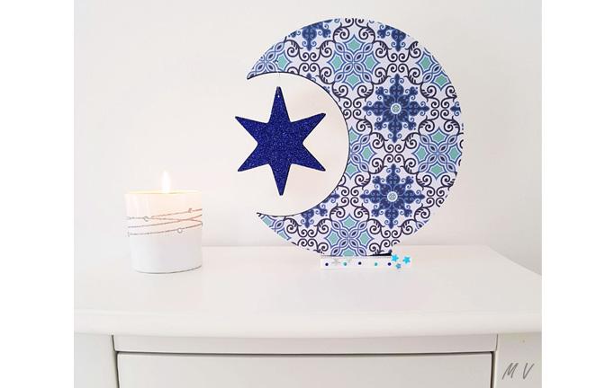support bois à customiser,lune sur socle avec étoile papier, paillettes, déco diy Noel